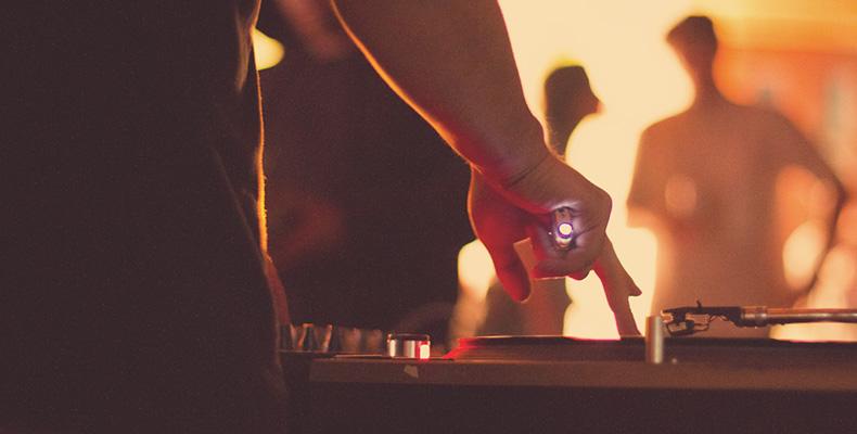 DJ: Between Artist, Artistry, and Technology