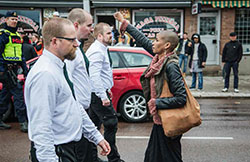 Tess Asplund raised fist to fascism supporters
