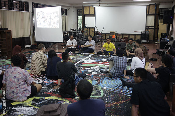 Discussion on Radicalization (Photo: Suprapto for Sacred Bridge Foundation)